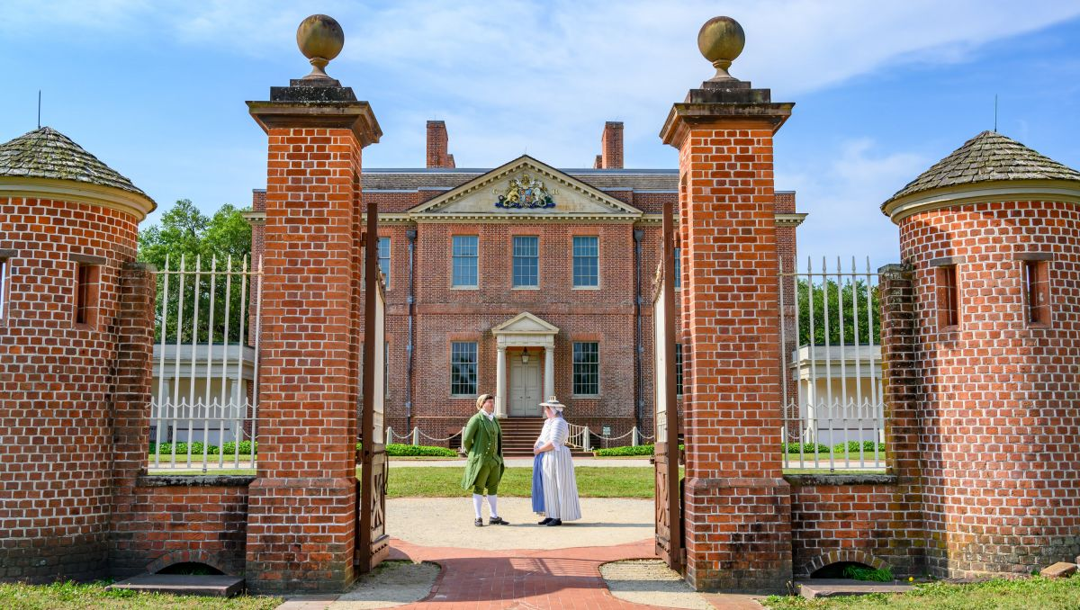 Tour North Carolina's Historic Homes | VisitNC.com on south carolina economy in colonial times, sugar in colonial times, zinc in colonial times, schools in colonial times, towns in colonial times, construction in colonial times, america in colonial times, forests in colonial times, agriculture in colonial times, farms in colonial times, gardens in colonial times, education in colonial times, timber in colonial times, tobacco in colonial times, reel in colonial times, slavery in colonial times, shipping in colonial times, houses in colonial times, roads in colonial times, fishing in colonial times,