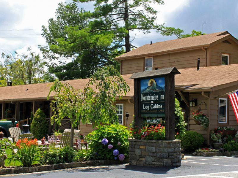 Mountainaire Inn Log Cabins Visitnc Com