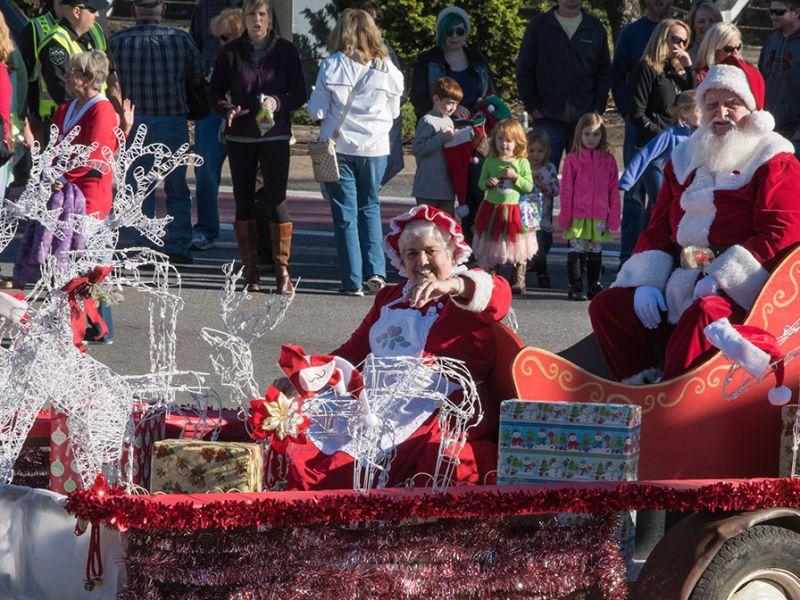Christmas Homecoming Float.Annual Bryson City Christmas Parade Visitnc Com