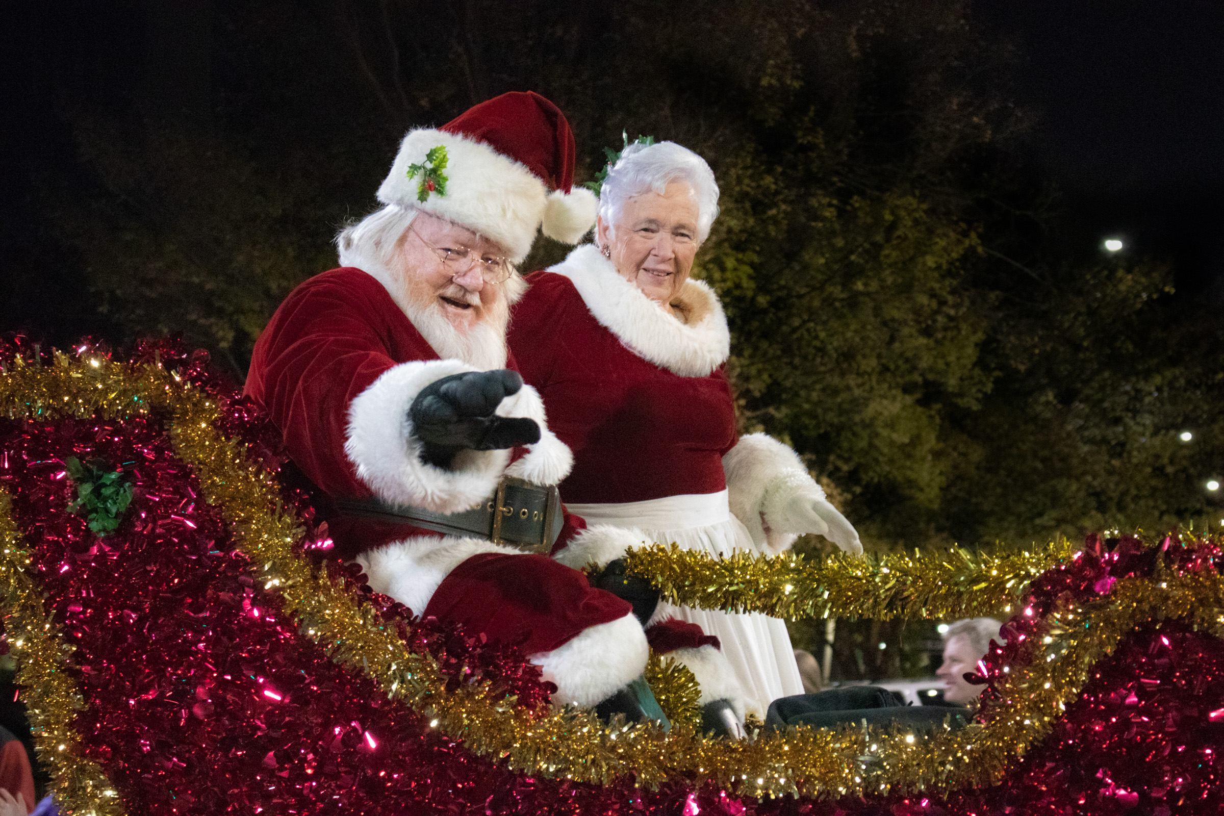 Newton Nc Christmas Parade 2020 Lowes Foods Christmas Parade and Tree Lighting | VisitNC.com