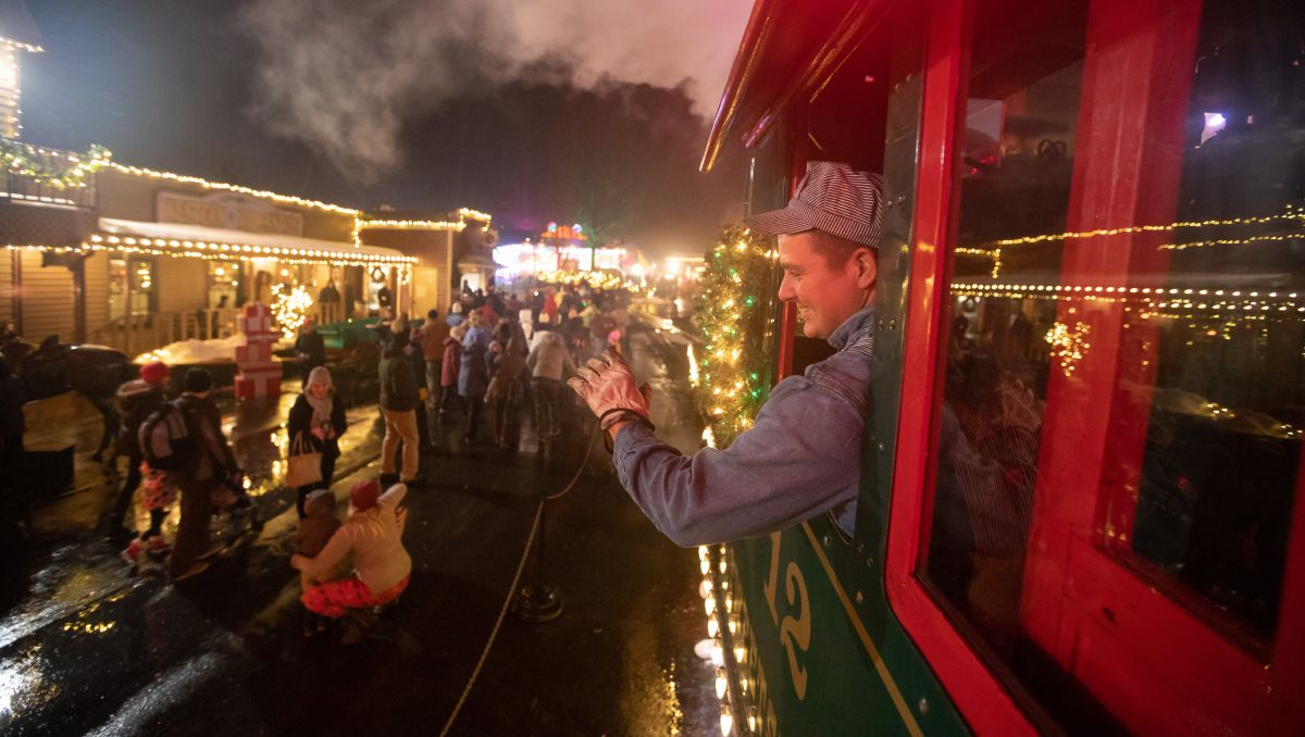 Tweetsie Christmas.Holidays Sparkle In Signature Events Across North Carolina