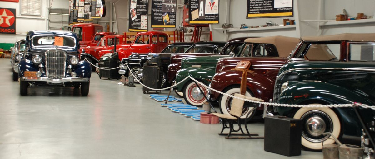 Old cars on display at Bennett Classics Antique Auto Museum