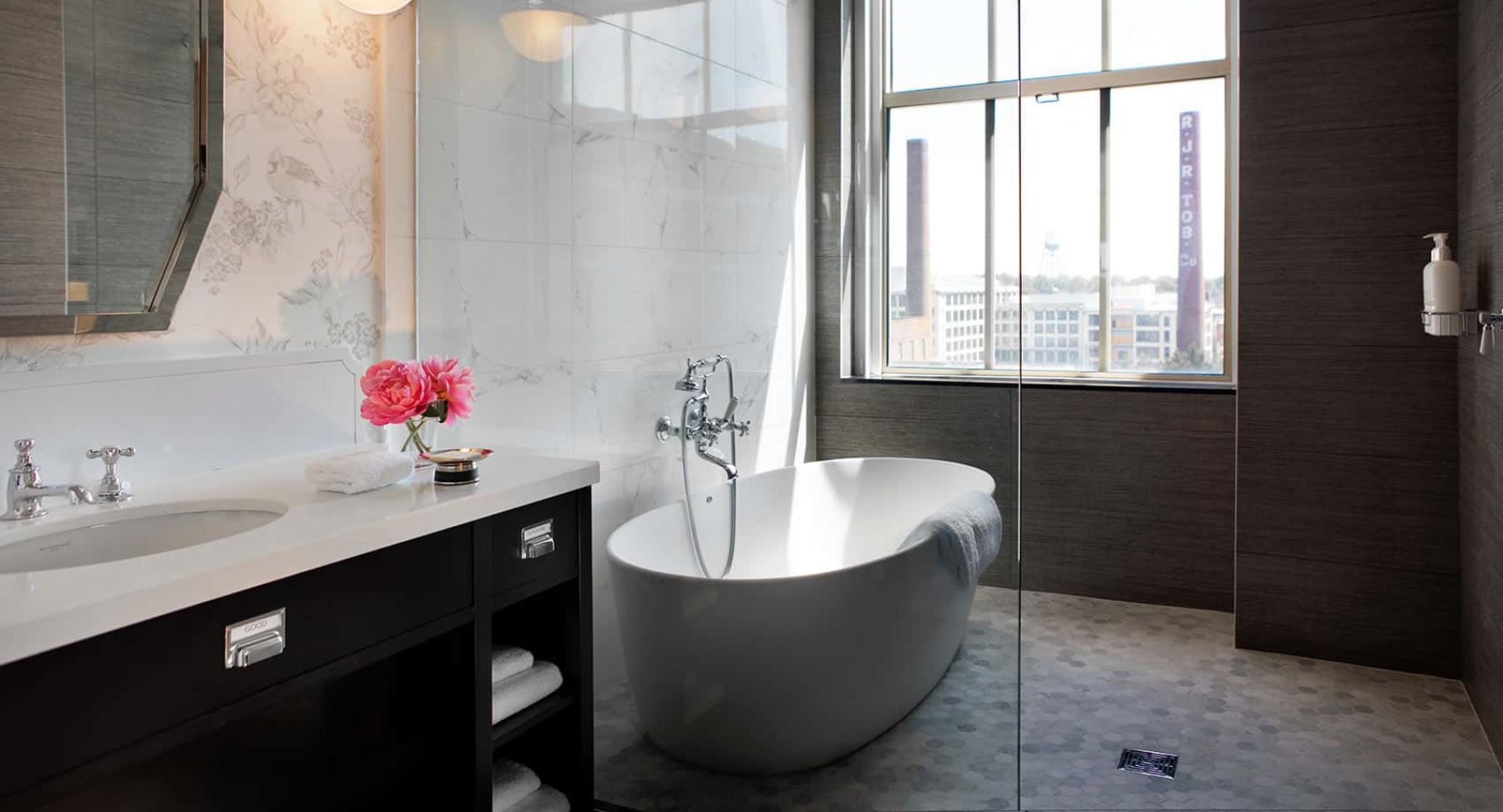 Dorable Carolina Classic Tubs Illustration - Bathroom and Shower ...