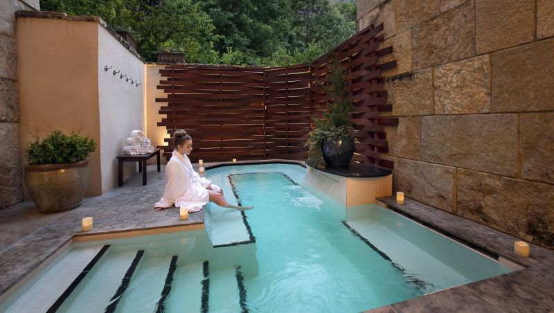 12 luxury hotel spas across north carolina - Hotels in bath with swimming pool ...