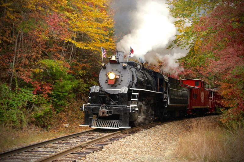 Take a scenic tour of fall on the Great Smoky Mountains Railroad